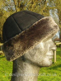Beanie Style Sheepskin Hat in Black Brisa
